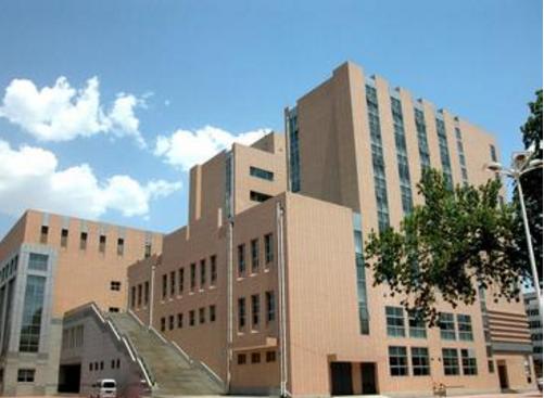 """天津高校要学生签生死状 签订伤残免责的""""生死状""""无法律效力"""